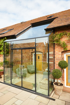 Structural Glass infill link with ClearGlaze doors